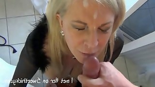 56 years old mature squirts on my dick and gets a facial