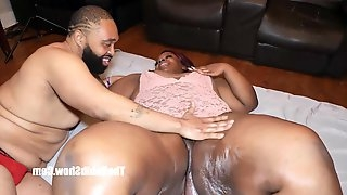 Redzilla loves getting slobbed on sbbw kurvy star huge boot
