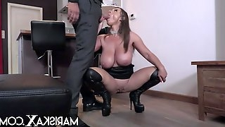 Sexy Susi uses her tits to her advantage