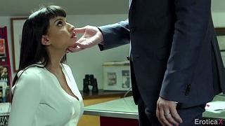 Manuel Ferrara fucks bodacious woman Mercedes Carrera all round the office