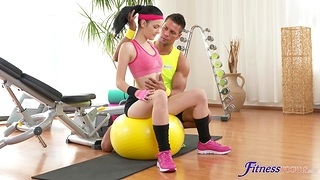 Perky brunette works out with a hunk before they cancel prevalent fucking