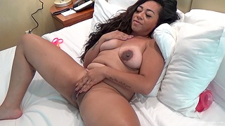 Chubby solo amateur drops her clothes increased by fingers her wet pussy