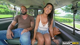 Provocative Latina Penelope White opens her legs for a quickie